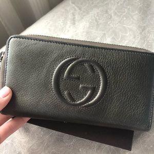 Gucci Bags - Gucci Soho Disco wallet